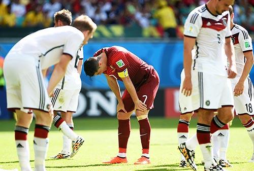 """Tiết lộ cách người Đức khiến Ronaldo bị """"cóng chân"""" - 1"""