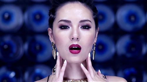 """Vừa tung ảnh nude, Phương Linh ra MV """"siêu nóng"""" - 8"""