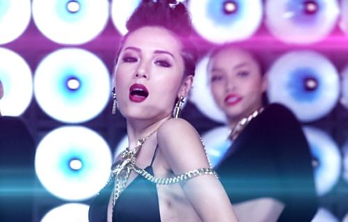 """Vừa tung ảnh nude, Phương Linh ra MV """"siêu nóng"""" - 7"""