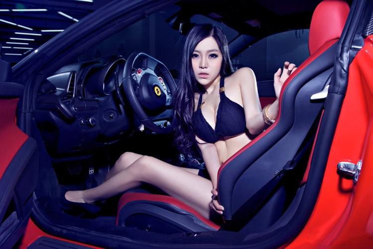 Siêu xe thể thao Ferrari lừng danh của hãng xe Ý