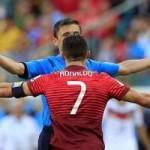 Bóng đá - Video: Ronaldo bức xúc đòi penalty
