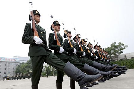 Trung Quốc: Cho bệnh nhân tâm thần phân liệt nhập ngũ - 1