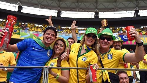 Mỹ nhân đua sắc trận Brazil & Mexico - 3