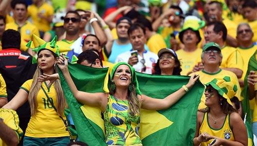 Mỹ nhân đua sắc trận Brazil & Mexico - 2