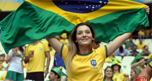 Mỹ nhân đua sắc trận Brazil & Mexico - 4
