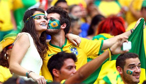 Mỹ nhân đua sắc trận Brazil & Mexico - 8