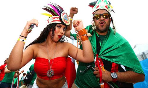 Mỹ nhân đua sắc trận Brazil & Mexico - 9