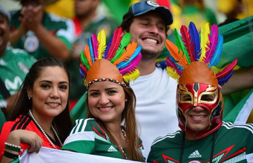 Mỹ nhân đua sắc trận Brazil & Mexico - 15