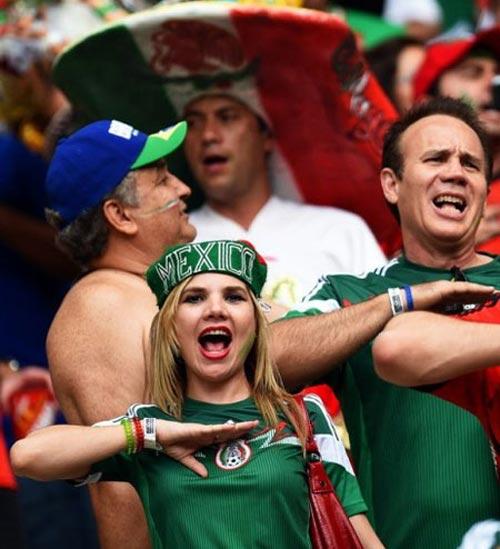Mỹ nhân đua sắc trận Brazil & Mexico - 13