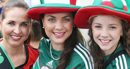 Mỹ nhân đua sắc trận Brazil & Mexico - 12