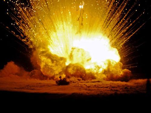 TQ: Nổ lớn thổi bay kho vũ khí, 17 lính thiệt mạng - 1