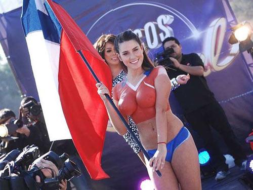 Fan ngực trần cổ vũ Chile hạ gục ''bò tót'' - 4