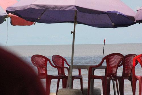 Hốt bạc nhờ thầu được 'vỉa hè' bờ biển - 3
