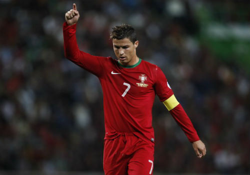 BĐN sau trận ra quân: Nỗi buồn của Ronaldo - 2