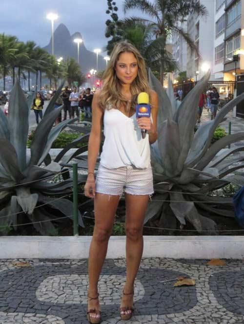 Nữ phóng viên Mexico xinh đẹp làm người hâm mộ phát sốt - 3