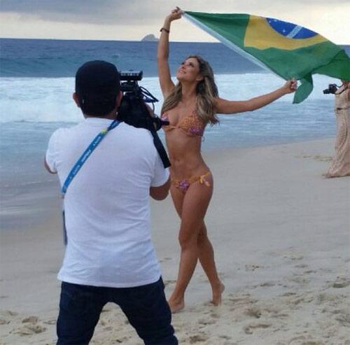 Nữ phóng viên Mexico xinh đẹp làm người hâm mộ phát sốt - 6