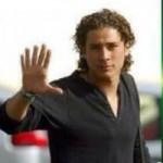 Bóng đá - Ochoa hóa siêu nhân với bàn tay 6 ngón