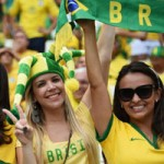 Bóng đá - Mỹ nhân đua sắc trận Brazil & Mexico