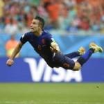 """Bóng đá - """"Persie bay"""" top 5 bàn đẹp lượt 1 vòng bảng World Cup"""