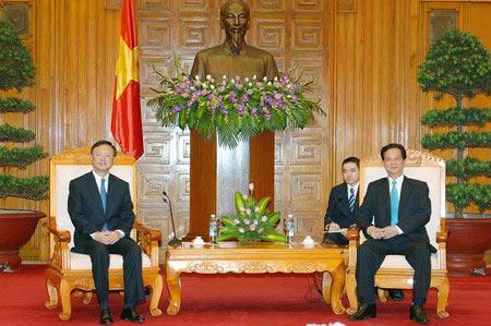 Trung Quốc phải rút giàn khoan trái phép - 1