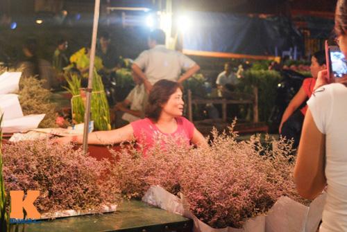 Lung linh sắc hoa chợ đêm Quảng Bá - 3