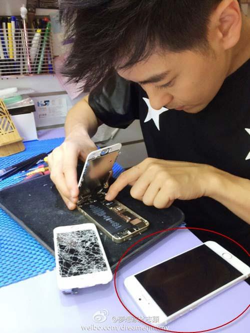 """Lâm Chí Dĩnh """"mổ"""" iPhone 5S, khoe iPhone 6 - 1"""