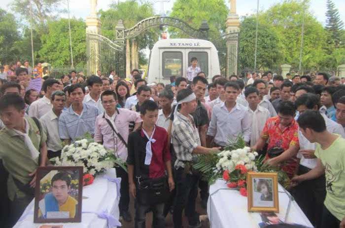 Thi thể 11 người Việt bị tai nạn ở Thái Lan về đến quê nhà - 1