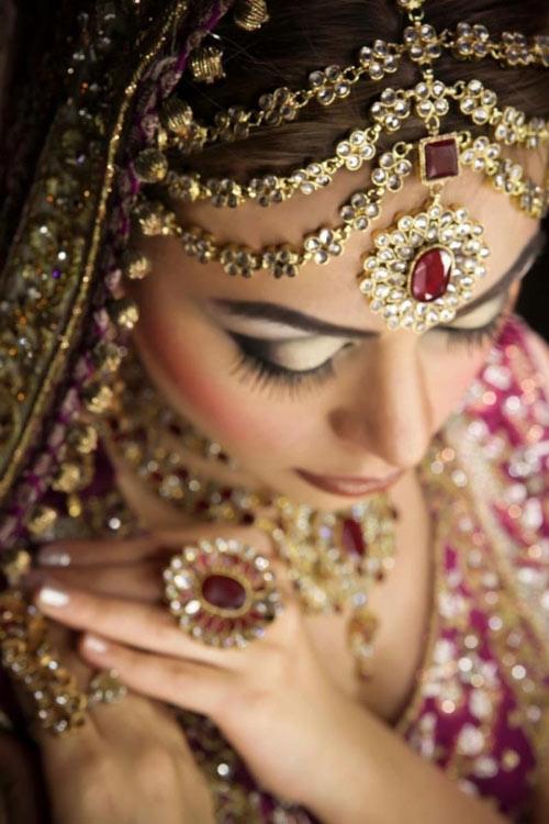 Trang phục cưới độc đáo của cô dâu Ấn Độ - 3