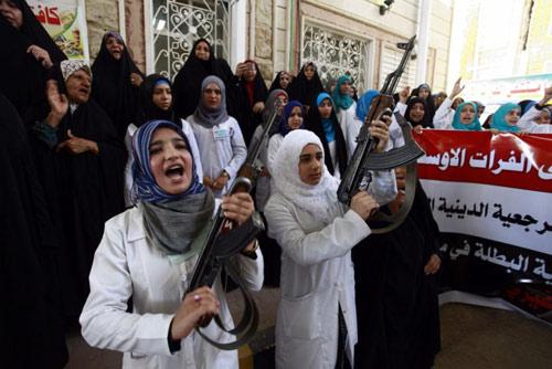 Obama có thể không kích Iraq mà không qua Quốc hội - 3