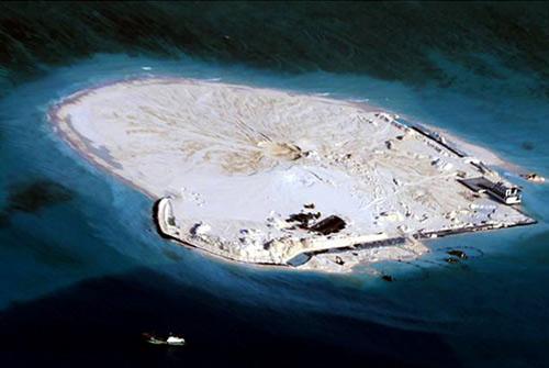 TQ toan tính gì khi xây đảo nhân tạo ở Biển Đông? - 1
