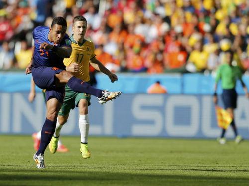 """""""Cơn lốc"""" Hà Lan: Đâu chỉ có Persie và Robben - 2"""