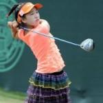 """Thể thao - Cô bé 11 tuổi """"khuynh đảo"""" làng golf"""