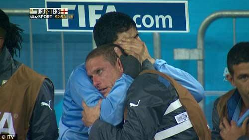 Suarez đổ lệ trong hạnh phúc - 2