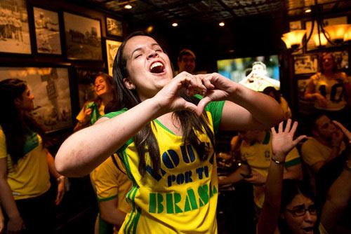 Sẩy thai vì thức 4 đêm liên tiếp xem World Cup - 1