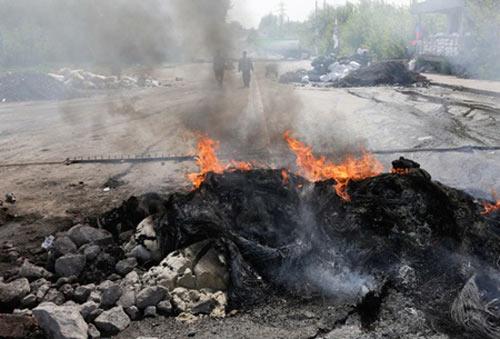 Quân đội Ukraine tiêu diệt 300 quân nổi dậy sau 2 ngày - 1