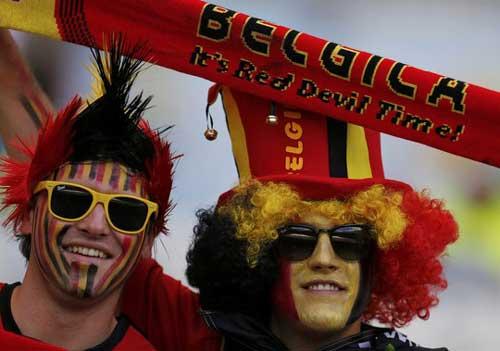 Fan bóng đá khoe độ cuồng ở World Cup 2014 - 7