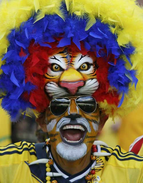 Fan bóng đá khoe độ cuồng ở World Cup 2014 - 9