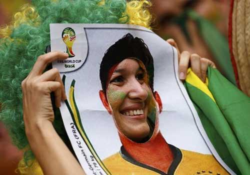 Fan bóng đá khoe độ cuồng ở World Cup 2014 - 2