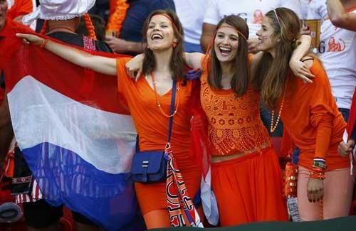 Fan bóng đá khoe độ cuồng ở World Cup 2014 - 5