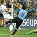 """Bóng đá - GÓC 3D: Suarez """"nã đạn"""" rách lưới tuyển Anh"""