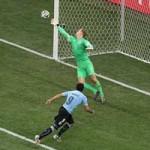 Bóng đá - Hodgson không từ chức, Suarez bùng nổ cảm xúc