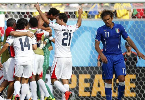 Báo chí Italia: ĐT Ý đã trở thành con vịt xấu xí - 1
