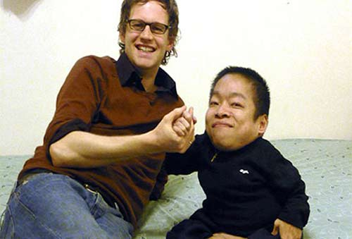 6 người châu Á lùn nhất thế giới - 1