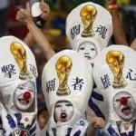 Tin tức trong ngày - Ảnh ấn tượng: Người hâm mộ Nhật Bản cổ vũ tại World Cup
