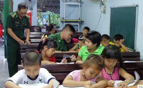 Lớp học đặc biệt giữa Sài Gòn - 1