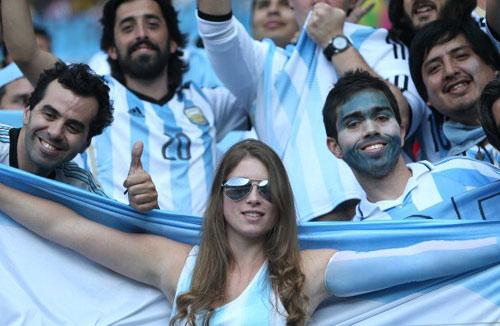 Fan bốc lửa xứ tango đua sắc bên vẻ thùy mị Iran - 5