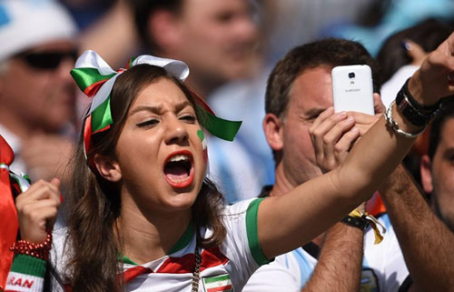 Fan bốc lửa xứ tango đua sắc bên vẻ thùy mị Iran - 14
