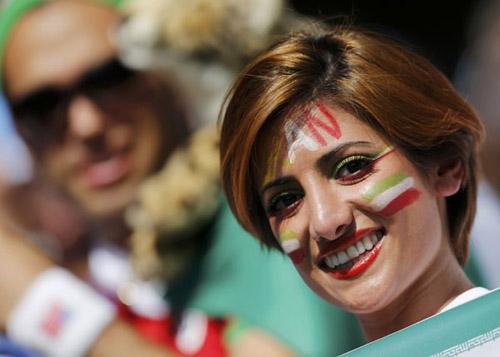 Fan bốc lửa xứ tango đua sắc bên vẻ thùy mị Iran - 10