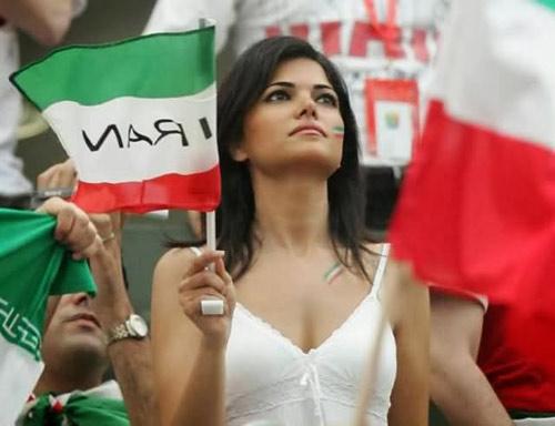 Fan bốc lửa xứ tango đua sắc bên vẻ thùy mị Iran - 11