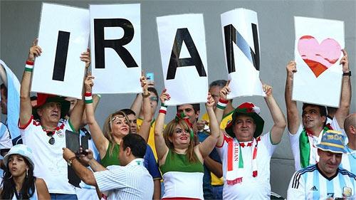 Fan bốc lửa xứ tango đua sắc bên vẻ thùy mị Iran - 15